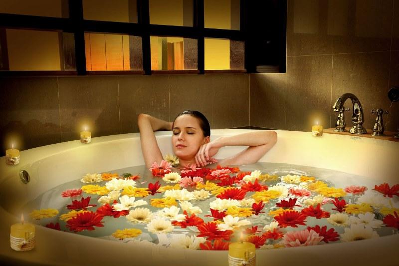 Bagno Rilassante Con Oli Essenziali : Oli essenziali un bagno aromatico per rilassarsi the mood post