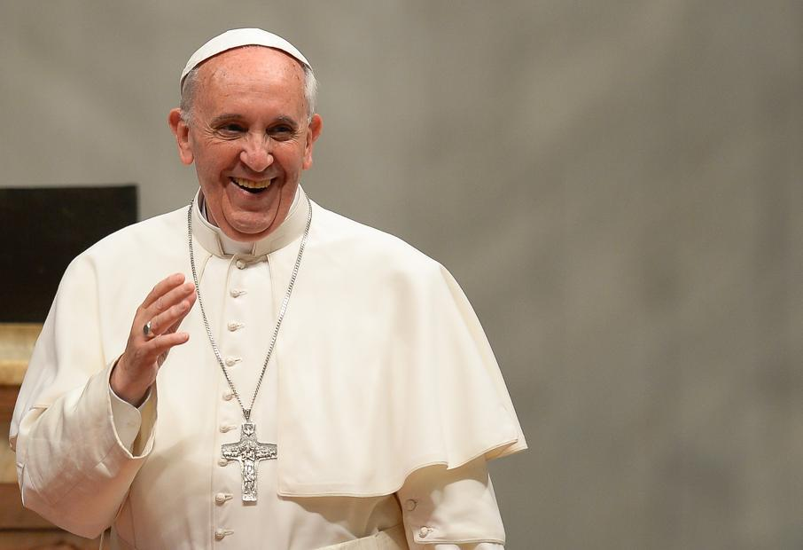 VT-IT-ART-25495-Bergoglio_Sorridente