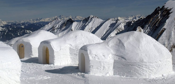 1596_igloo_village