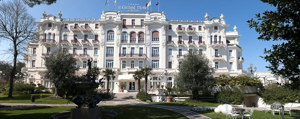 san-valentino-e-arie-felliniane-al-grand-hotel-di-rimini_919628c2-e308-11e6-a577-25448b4c48cd_998_397_big_story_detail